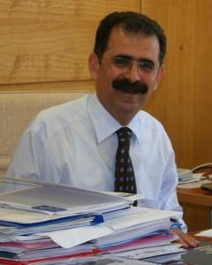 Prof.Dr. Onur Hamzaoğlu'nun Dilovası'ndaki  çevre kirliliği konusunda bilimsel araştırma bulgularını yayınlaması Türkiye'de bilim ve iktidar ilişkilerinin açığa çıkmasında  bir turnusol kağıdı işlevi gördü.