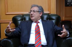 Meryem Kurtulmuş'un dava açtığı Denizbank işbirliği le hayata geçirilen KampüsKart projesinin mimarı Marmara Üniversitesi Rektörü Prof.Dr. Zafer Gül.