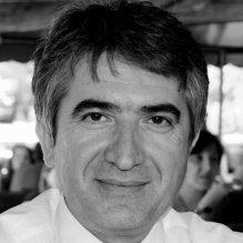 AKP'nin üniversitelere  yönelik fetihçi politikalarının hedefinde bu kez SBF Dekanı Prof. Dr. Yalçın Karatepe var.